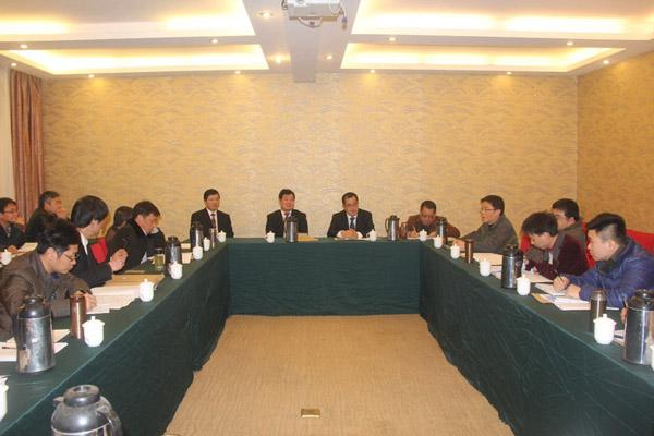 董事长王元旦和总经理徐洪良参加分组讨论,听取代表建议-江西省水